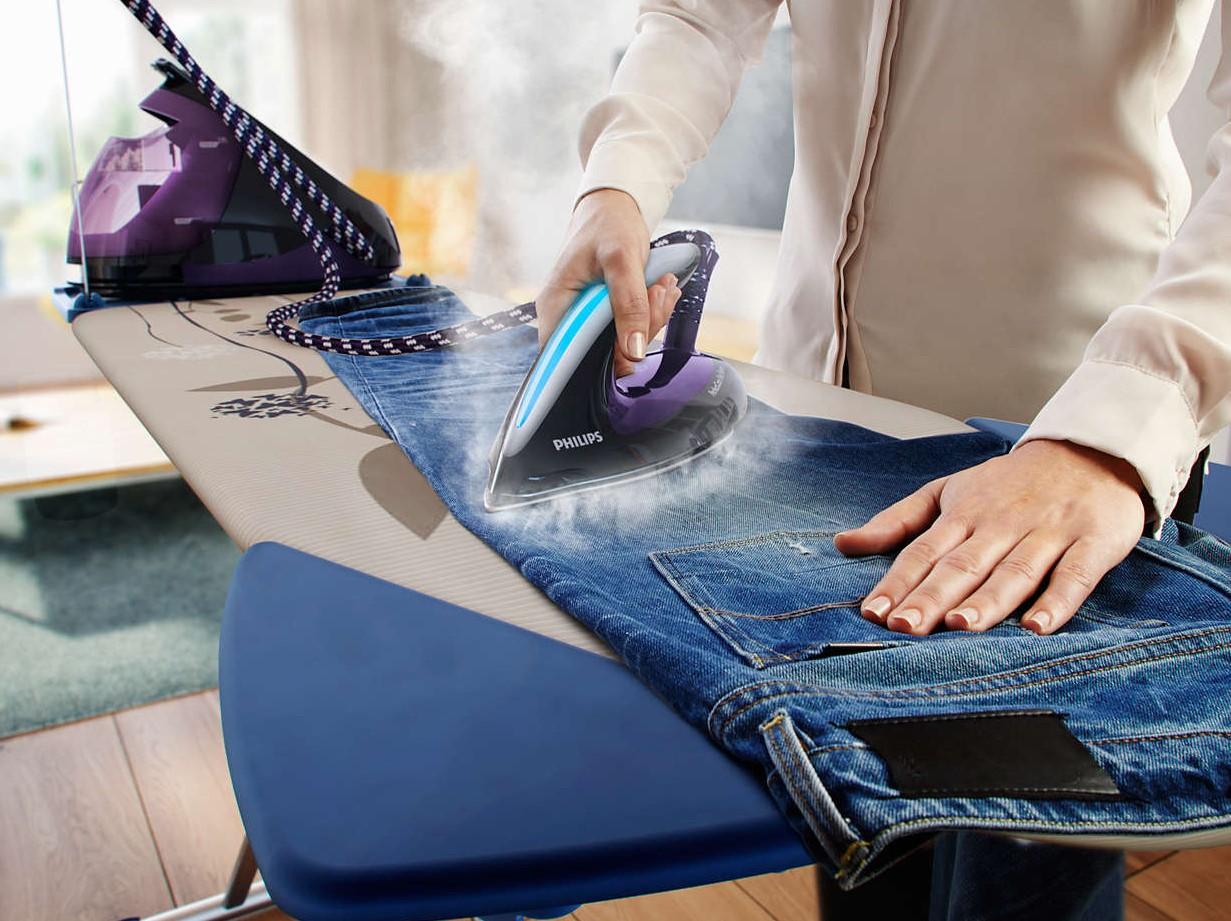 Bügeln einer Hose